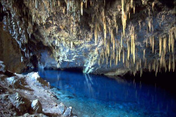 Turismo em bonito Gruta do Lago Azul