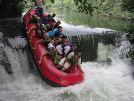 Bote no Rio Formoso em Bonito MS